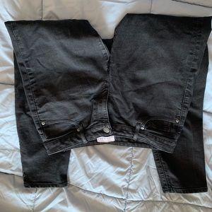 Black ankle length curvy fit jeans